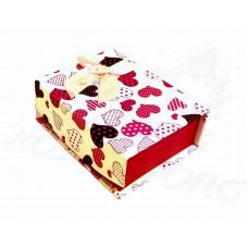 Коробка подарочная с крышкой на магните (Белая, сердечки в полоску и горошек) 10х8х4 см