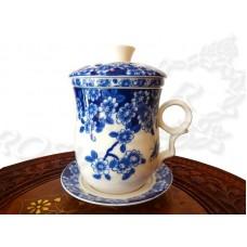 Кружка заварочная Цветущая Сакура с колбой (280мл)  сине-белый костяной фарфор, подарочная коробка, Китай